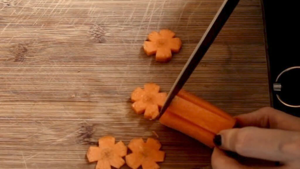 cut carrots into blossoms
