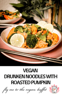 In my fusion kitchen I combined the Thai classic Drunken Noodles (Pad Kee Mao) in a vegan version with fragrant oven roasted Hokkaido-pumpkin! Recipe and video tutorial. #hokkaidopumpkin #vegancookingtutorials #veganfallrecipes