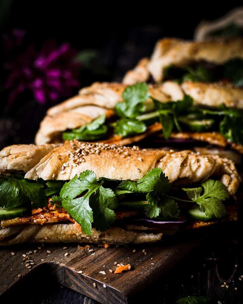 bild veganes banh mi sandwich