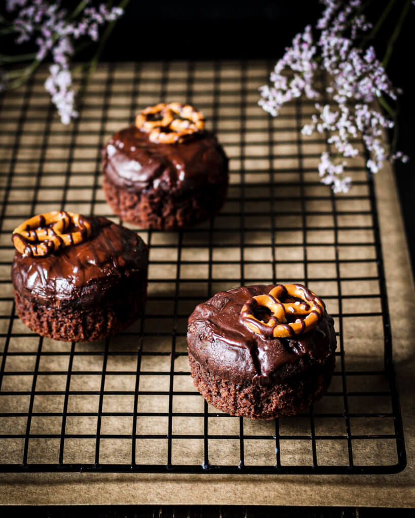 Bild von veganen Death by Chocolate & Irish Cream Muffins
