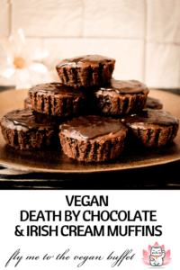 Making these amazing vegan chocolate & irish cream muffins yourself is quick and easy with my recipe and YouTube-Tutorial