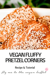 Those fluffy pretzel corners from the bakery are usually not an option for us, but you can make them yourself - with this recipe and tutorial #veganbaking #veganrecipe #veganbread #veganbrunch