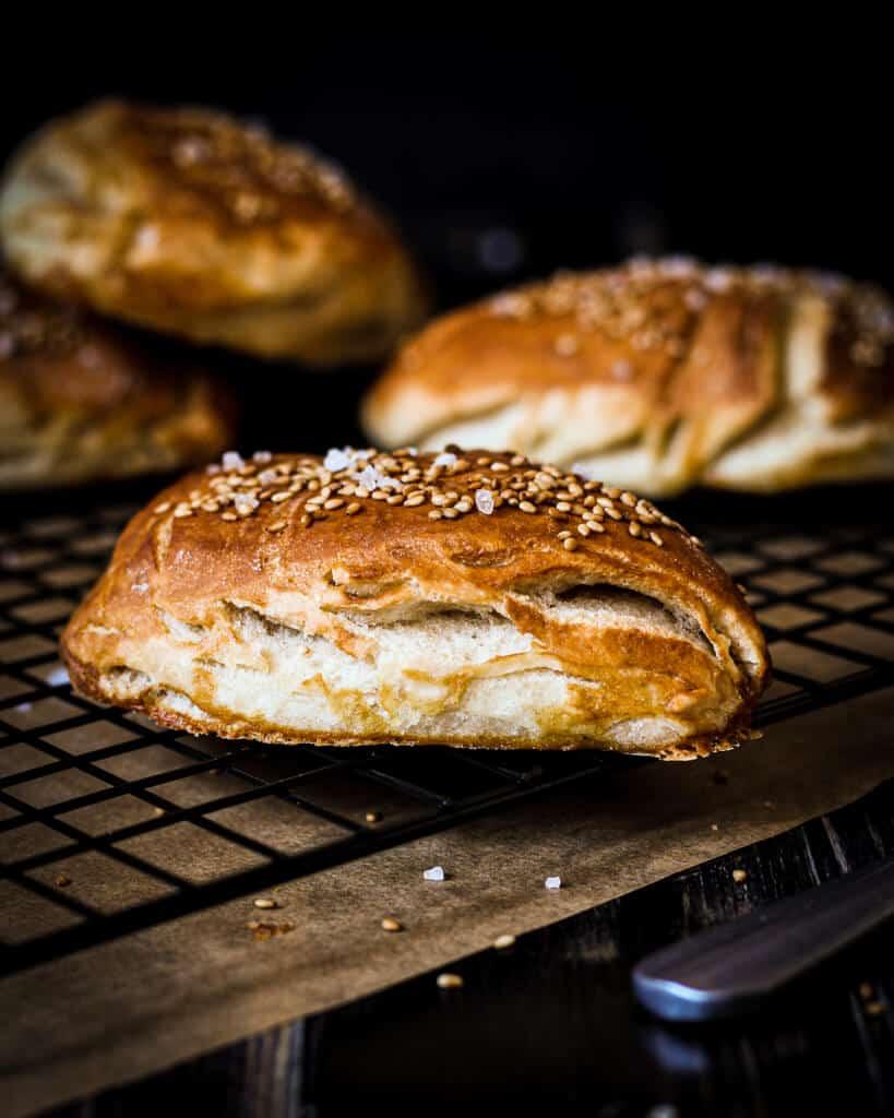 Bild von veganen Laugenecken, selbst gebacken/ Nina Bolders Food Fotografie