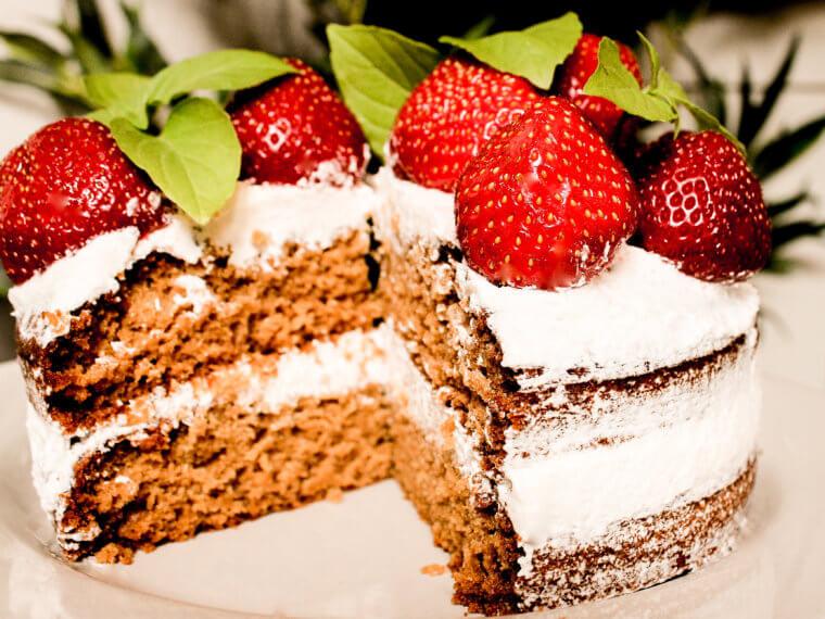 NAKED STRAWBERRY CAKE WITH LEMON BASIL