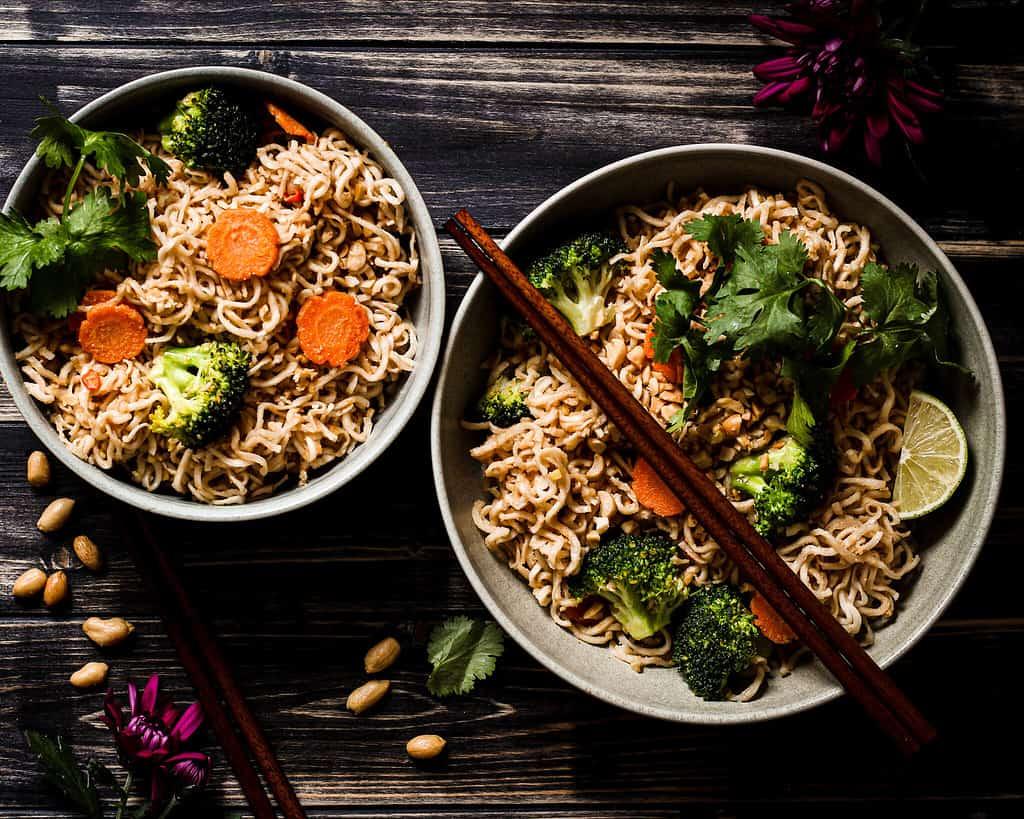 picture of peanut noodles