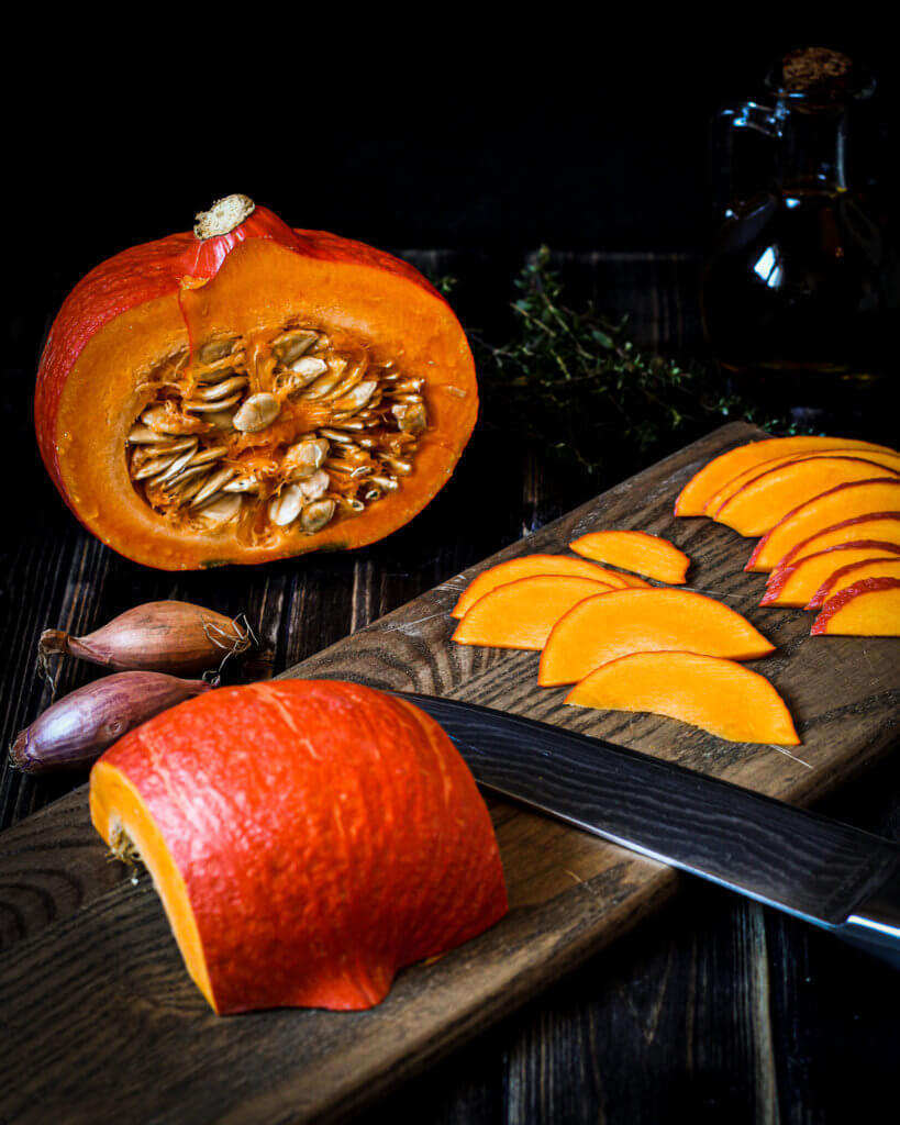 picture of cutting Hokkaido pumpkin