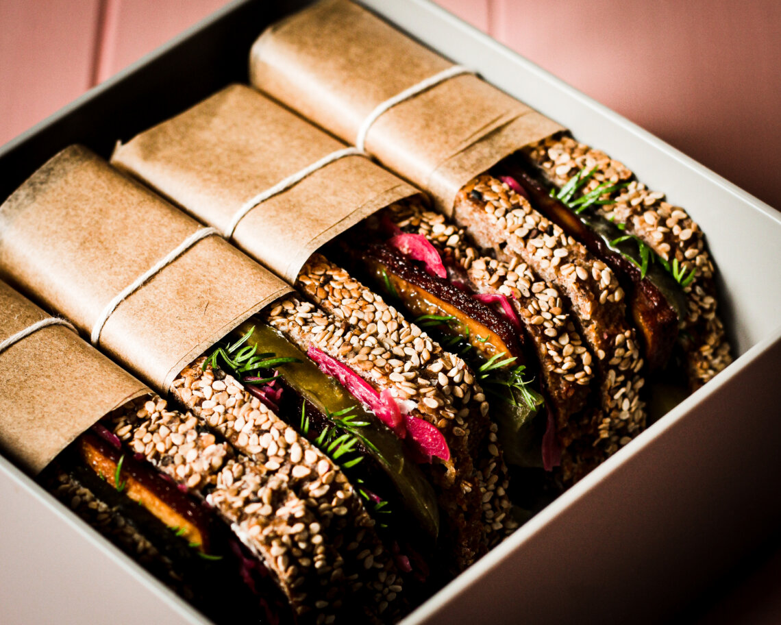 flying as a vegan: sandwiches in bento box