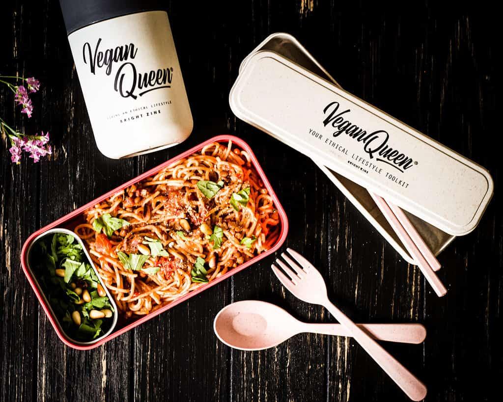 monbento box and vegan queen set