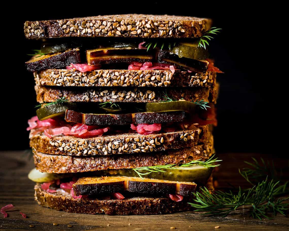 picture of sauerkraut sandwich
