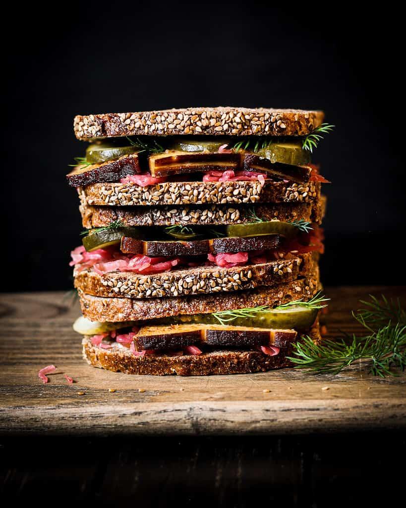 bild von sauerkraut sandwich