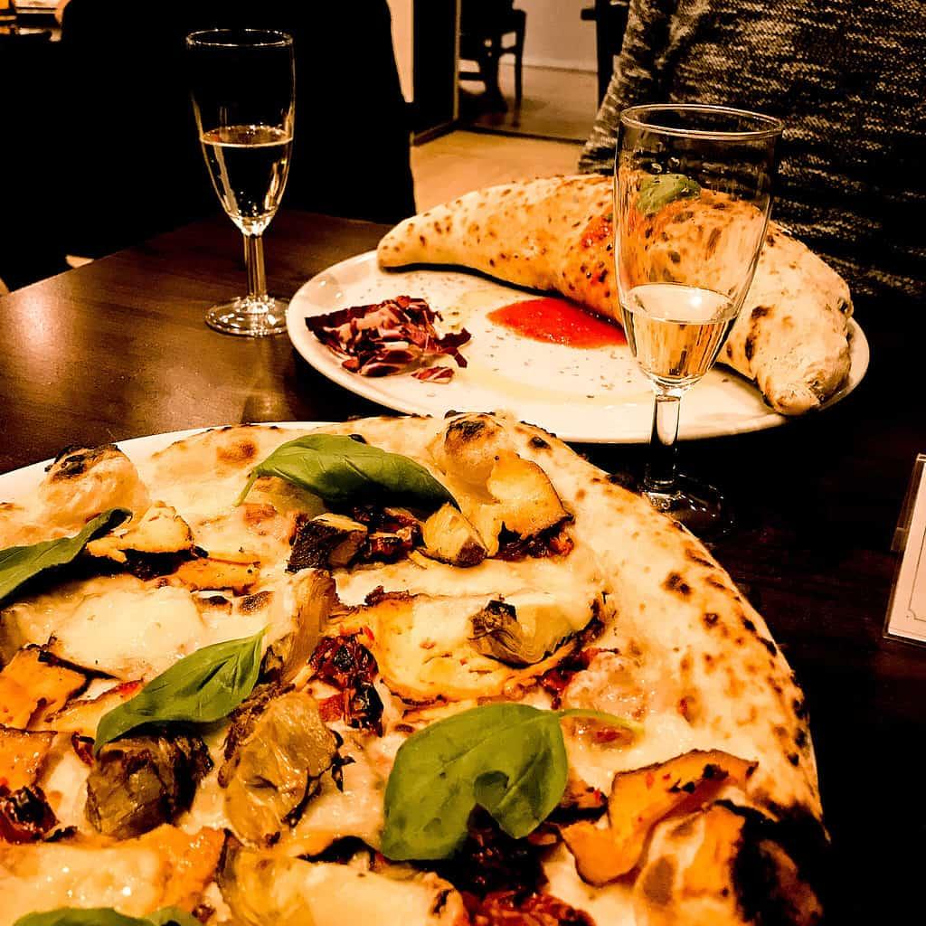 picture of vegan pizza at la stella nera