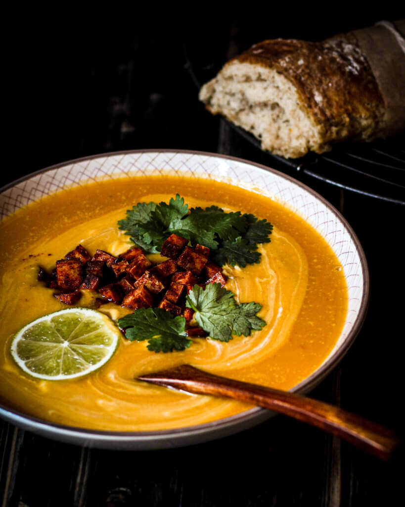 mexican fusion suppe mit brot