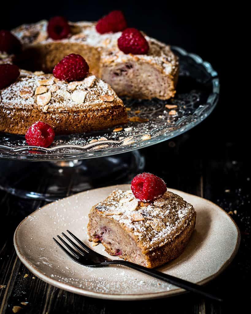 raspberry banana cake