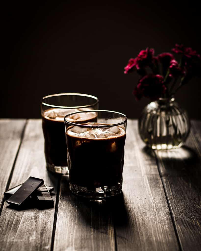 veganer snickers-shake mit Espresso
