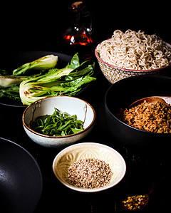 Tantan Suppe zusammenstellen