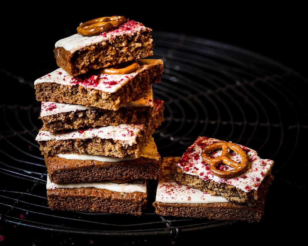 WHITE CHOCOLATE RASPBERRY PRETZEL BARS/ Nina Bolders Food Photography