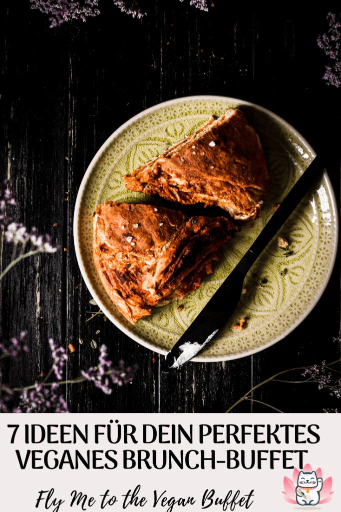Endlich kann man wieder zum Brunch einladen! Mit diesen Tipps kannst du ganz einfach ein kaltes veganes Brunch-Buffet mit hauptsächlich Fingerfood zusammenstellen und alles schon am Vortag vorbereiten!