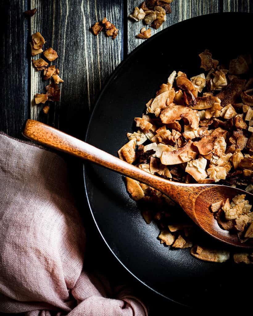 veganer Kokos-Bacon/ Nina Bolders Food Fotografie