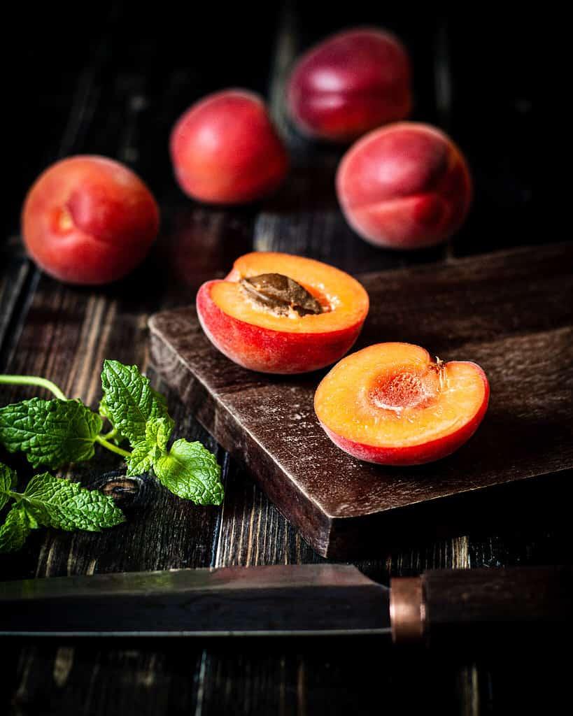 Apricots/ Nina Bolders Food Photography