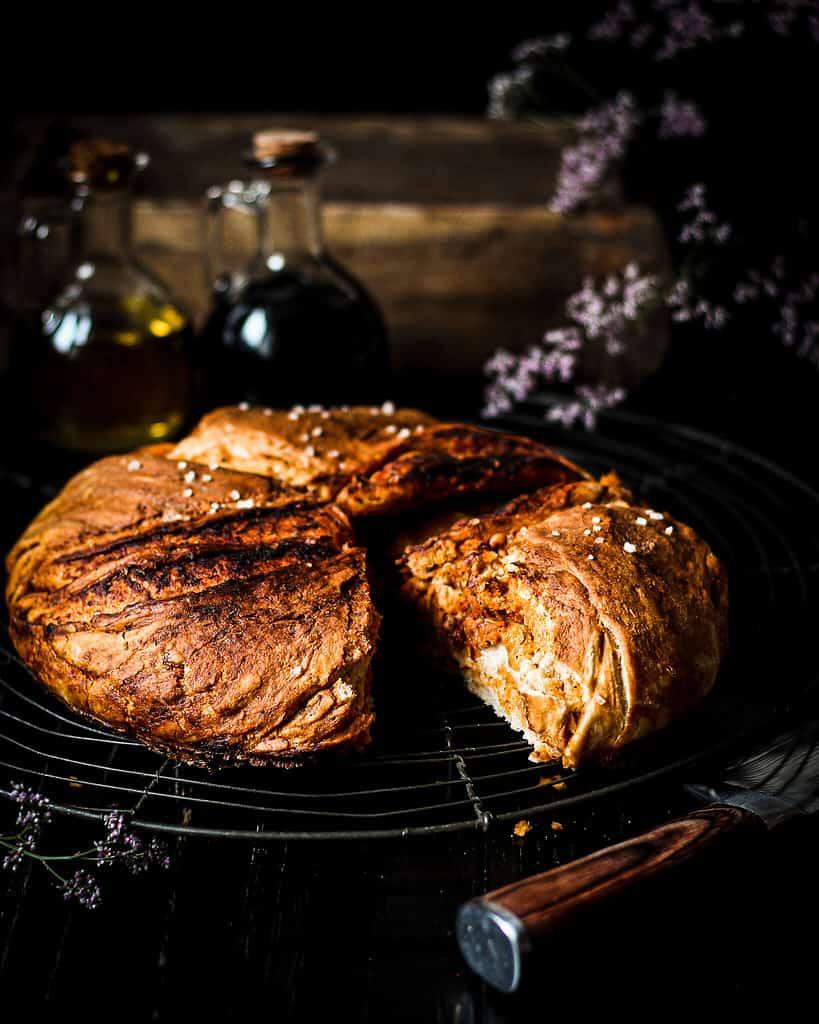 Vegan pizza bread/ Nina Bolders Food Photography