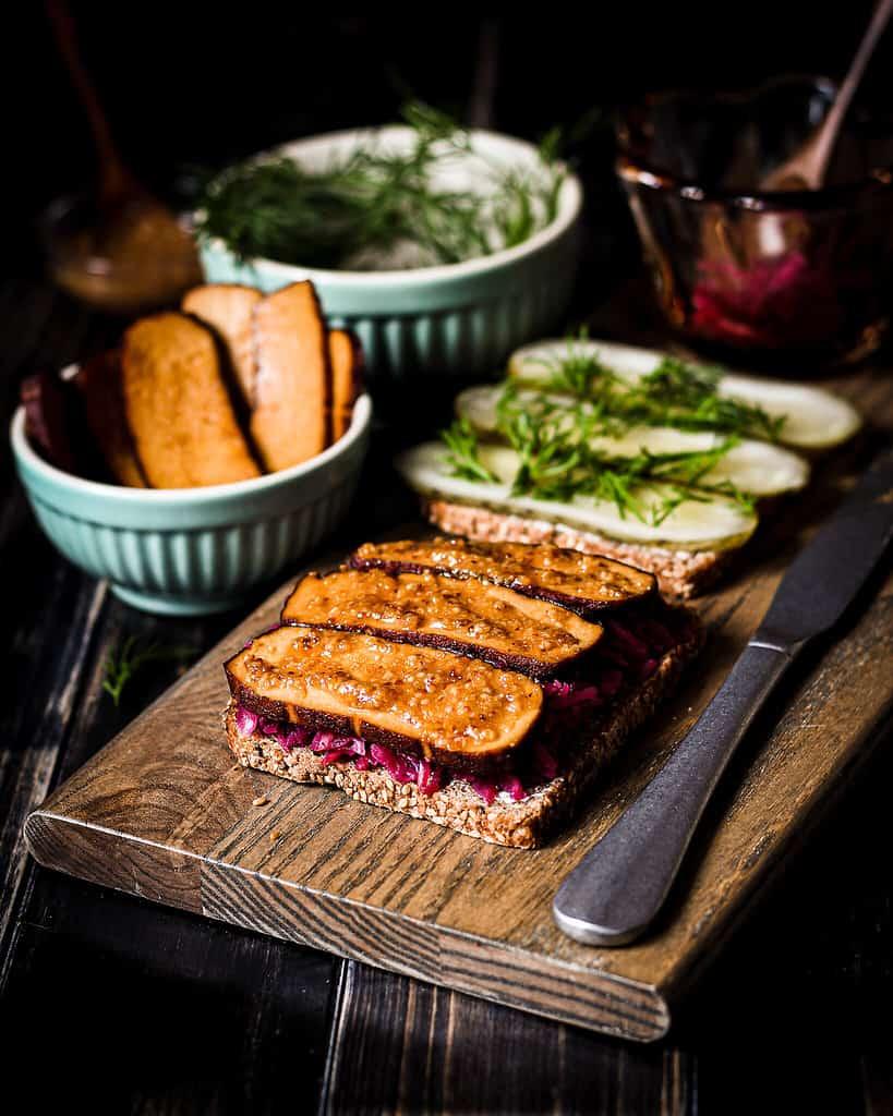 sauerkraut sandwich/ Nina Bolders Food Photography