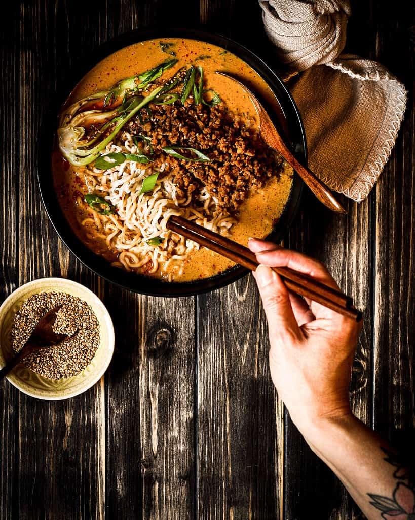 Vegane japanische Tantan Suppe/ Nina Bolders Food Fotografie