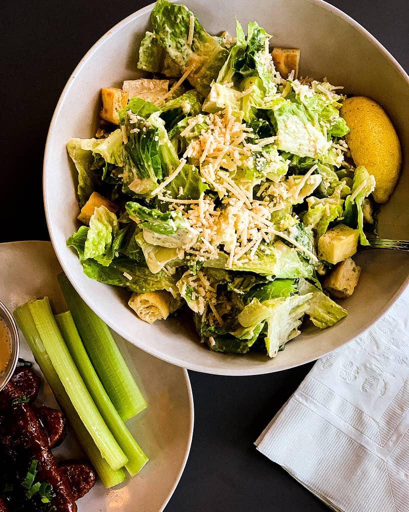 veganer Caesar Salad vom veggie grill