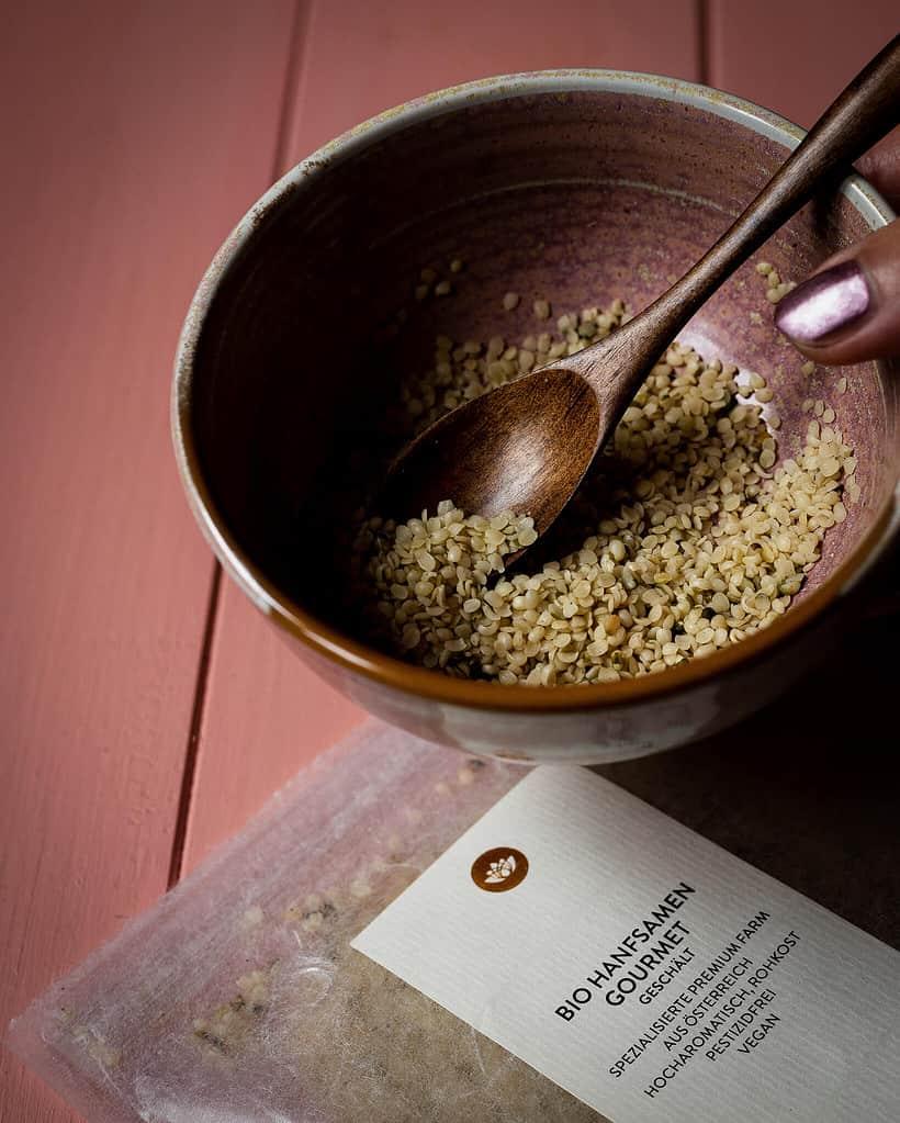 hemp seeds by sunday natural